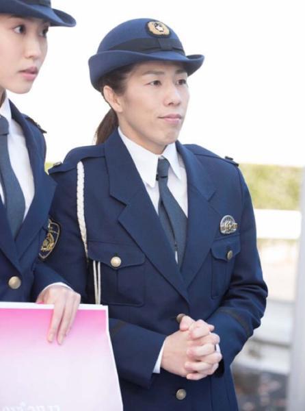 警察官「吉田さん捕まえるだけですよ。 いいですか つ か ま え