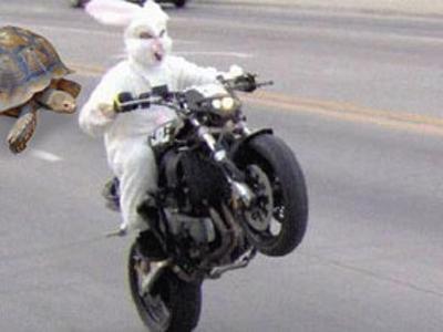 亀はレールガンで一気に勝負をつける腹積もり - オートバイへのボケ ...