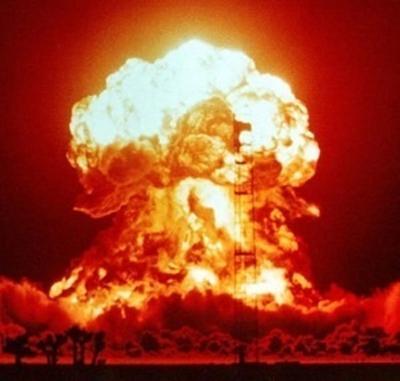 爆発の面白ネタ・写真(画像)の人気まとめ【ラベル】 - ボケて(bokete)