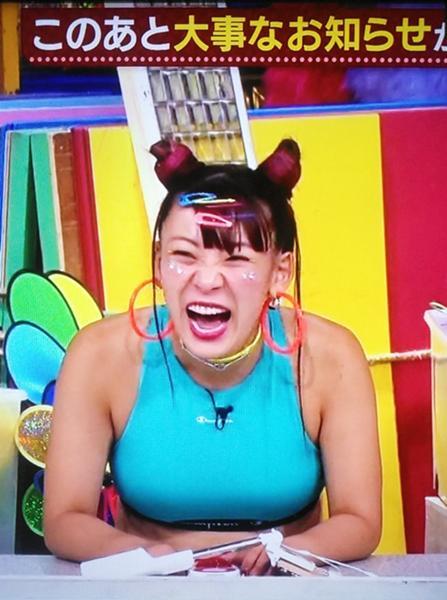 ふわ ちゃん 胸 ふわちゃん ZIPの生放送で放送事故w